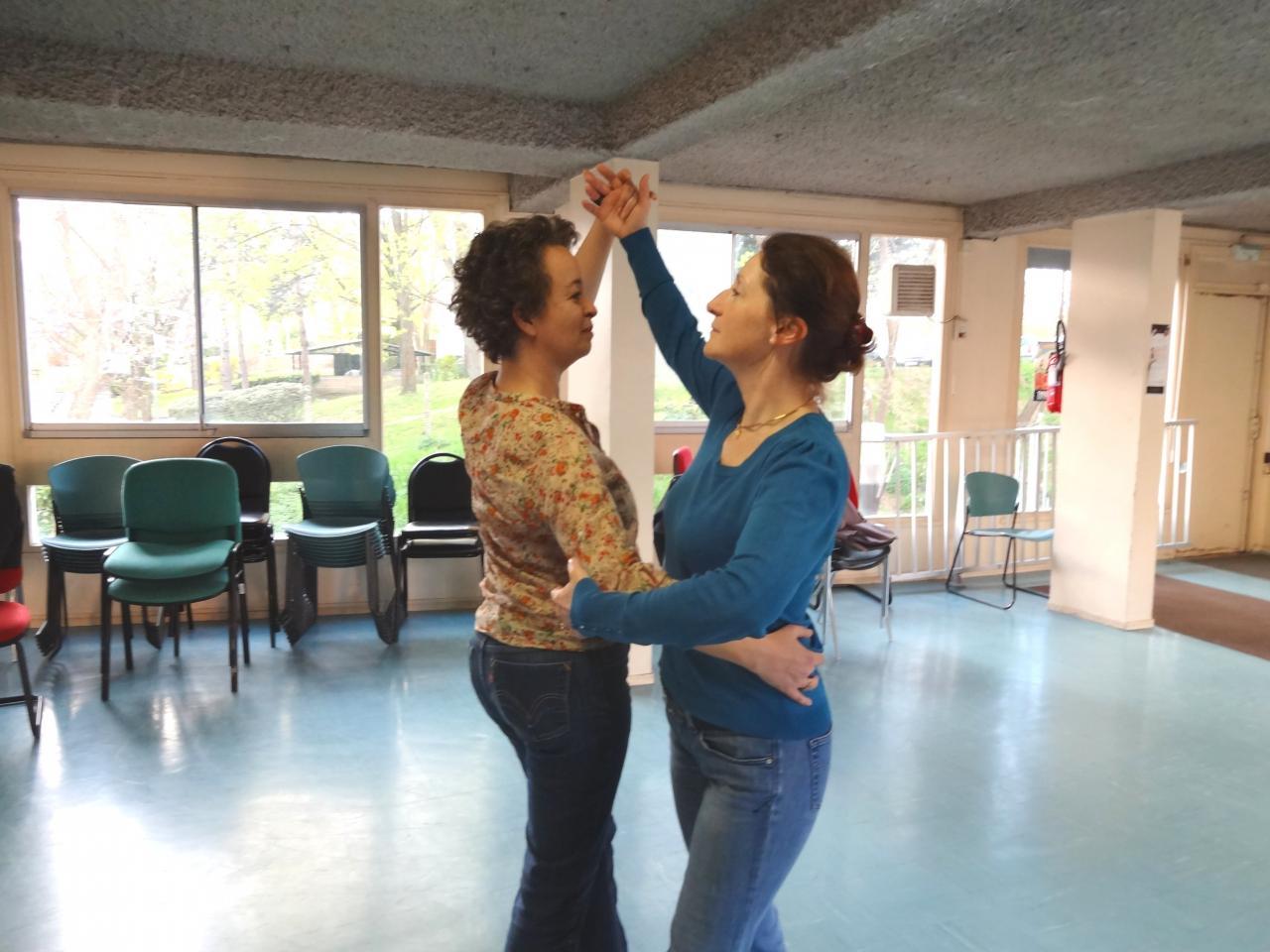 3/2- Carole et Marie-Claude au petit bal...